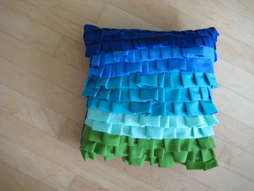 How To Make A Throw Pillow With Ruffle : enJOY it by Elise Blaha Cripe: how to : ruffled pillow.