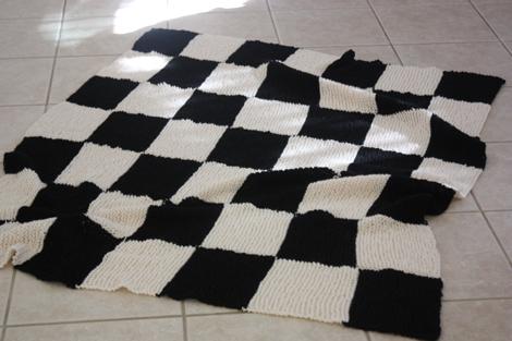Funky Knitting Checkerboard Pattern Model Easy Scarf Knitting