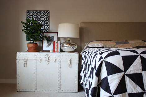Trunkbedsidetable
