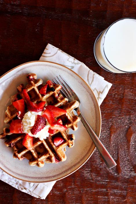 Wholewheatstrawberrywaffles