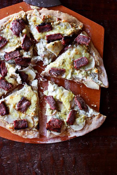 Garliccreamsaucepizza
