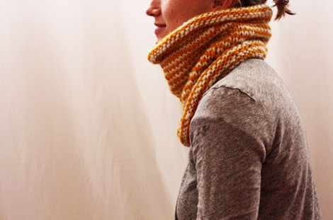 striped knit cowl (click through for video tutorial)